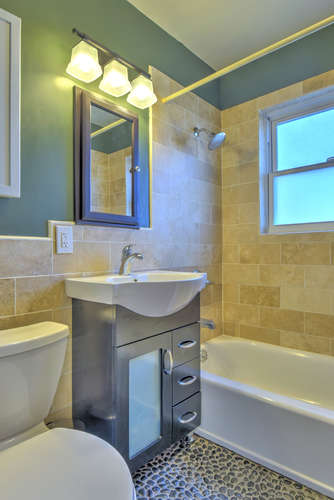 723_Quivas_St_Denver_CO_80233-small-013-3-Bathroom-334x500-72dpi