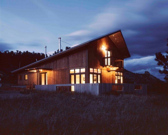 Night time view of a BAS1S Architecture designed home.