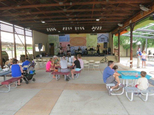 louisvill farmers market concert