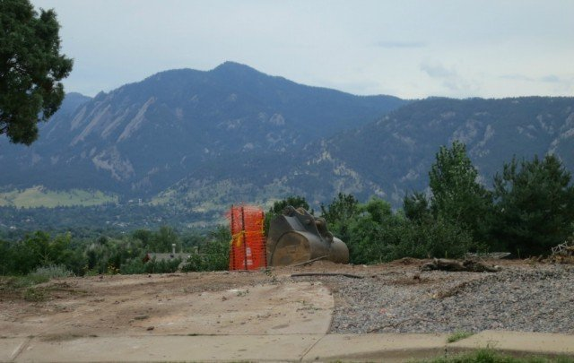 boulder lot with amazing mountain views
