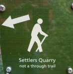 settlers quarry boulder co hiking sign and arrow