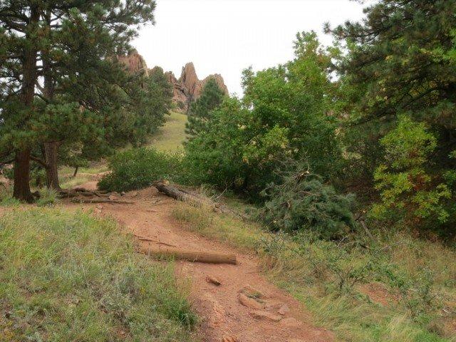Red Rocks Boulder hiking trail