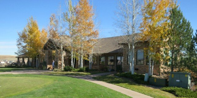 cngc club house with fall colors