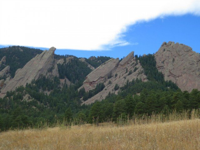 clouds and mountains in boulder colorado