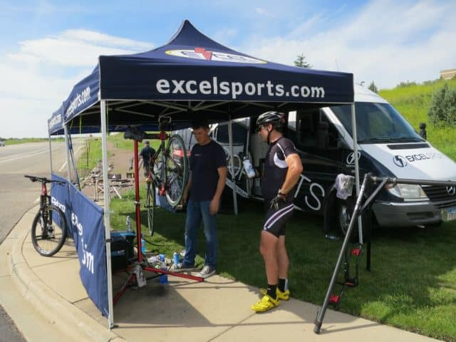 aid station along 2016 boulder bike to work day route