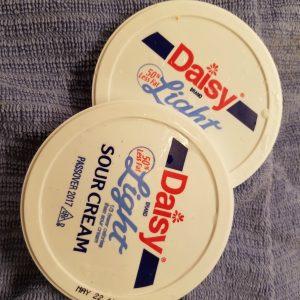 flat sour cream lids