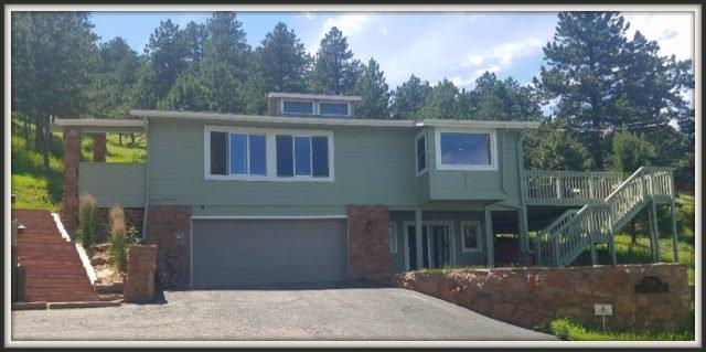 316 Pine Tree Lane home exterior