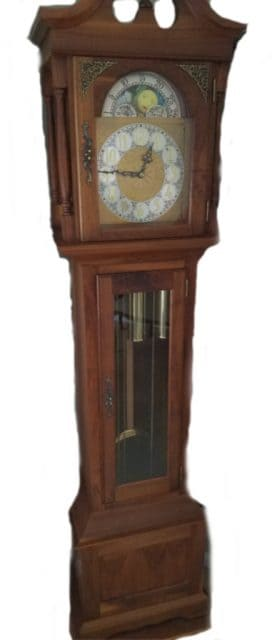 antigue clock from a boulder log cabin home