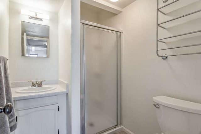 three quarter bathroom