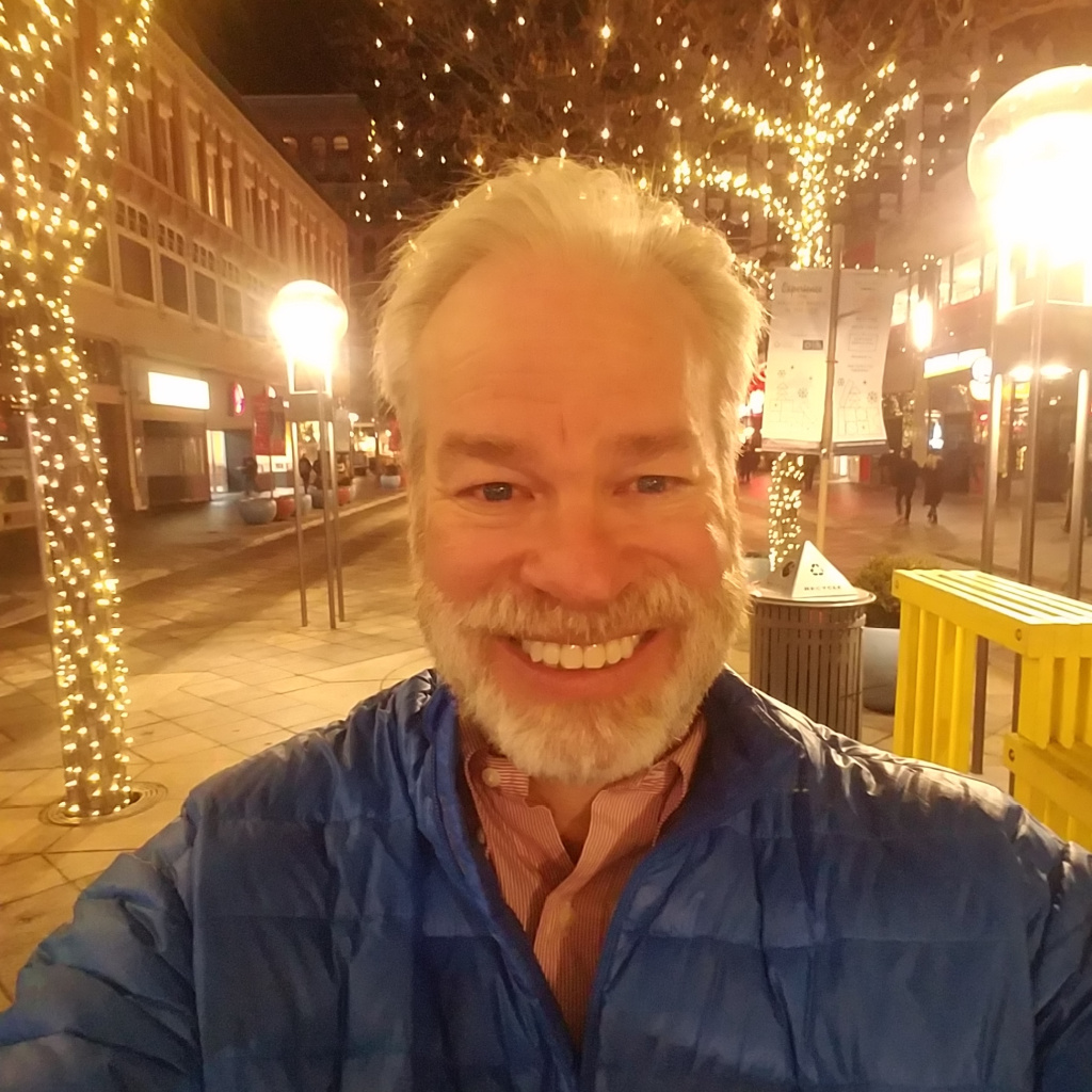bob gordon on denver 16th street mall on way to ohio wesleyan university holiday party 2019